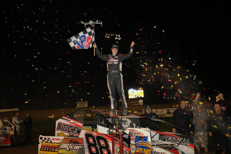 Mat Williamson kicks off Super DIRT Week with a win at Brewerton. CREDIT: Quentin Young